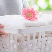 Bucato pulito in lavatrice senza detersivo